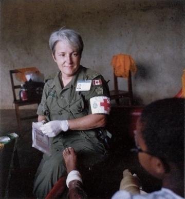 RWANDA_infirmiere-canadienne_ph-patrimoine-militaire1994.jpg