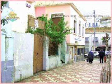 Alger-Belouizdad_Rue Nacera Nounou_2008-03.jpg