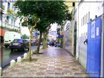 Alger-Belouizdad_Rue Nacera Nounou-3_2008-03.jpg